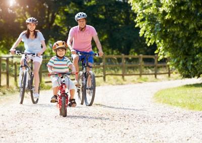 Family_Biking_800